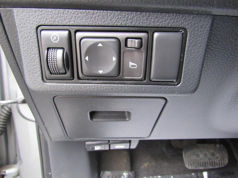 Nissan Versa 2010 price $4,995