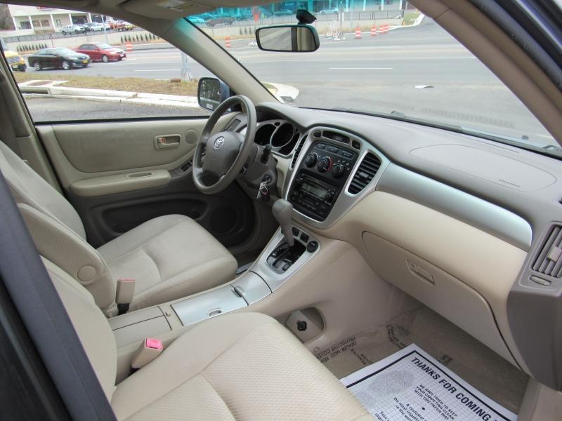 Toyota Highlander 2007 price $8,995