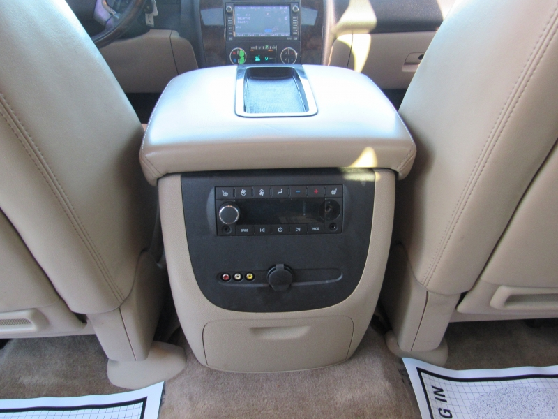 GMC Yukon XL Denali 2009 price $14,995