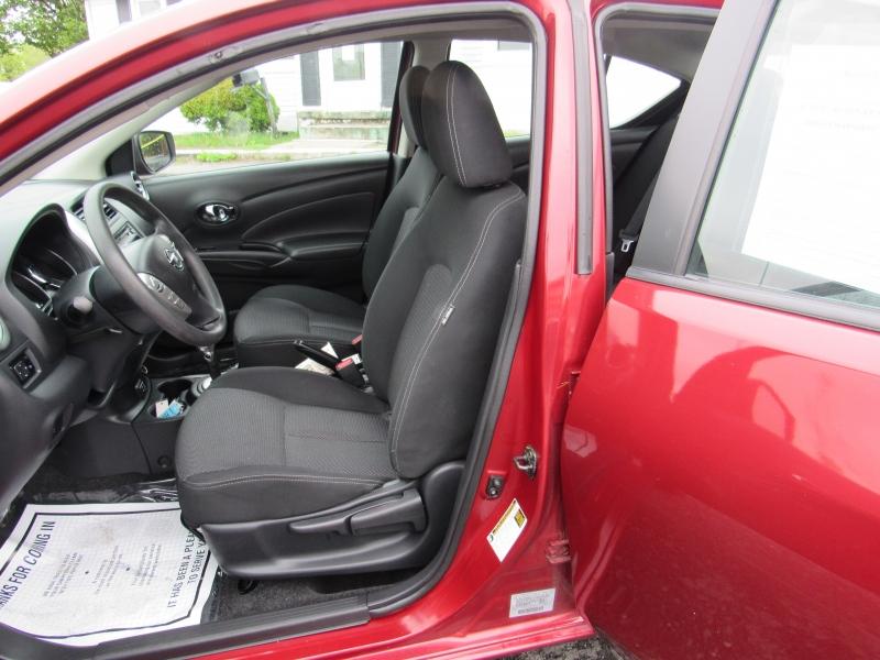 Nissan Versa Sedan 2018 price $9,229