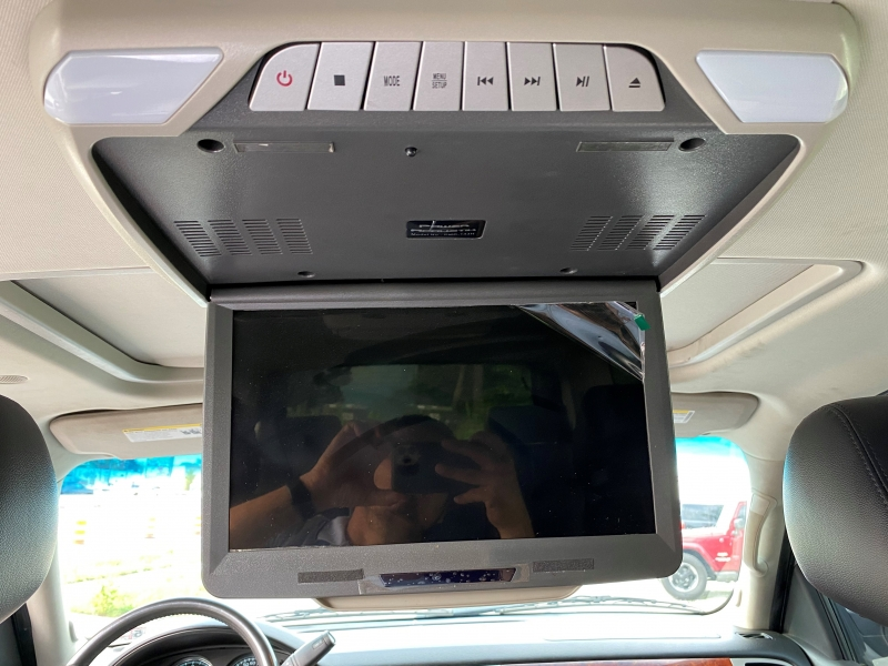 Chevrolet Suburban 2012 price $12,995