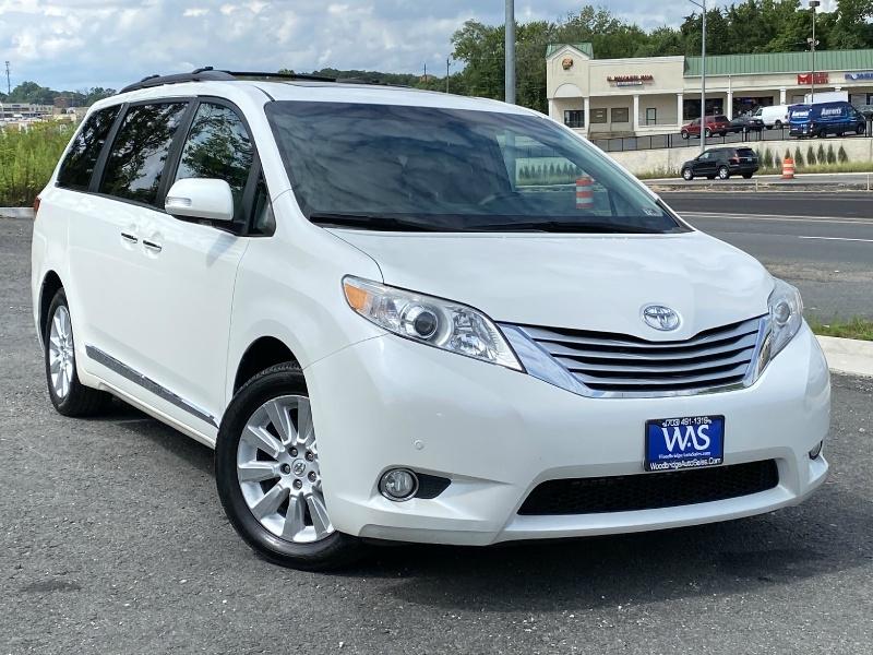 Toyota Sienna 2013 price $13,495