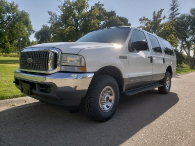 2003 Ford Excursion // 4WD // DieSeL!!! // Family Sized // NeW TiReS!!!