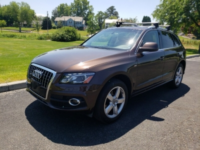 2011 Audi Q5 3.2 Quattro Premium Plus // S LINE Edition// One Owner!!