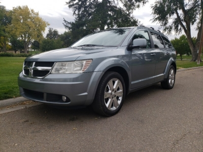 2010 Dodge Journey SXT // 4dr // AWD // 3rd RoW SeaTinG // LiKe NeW!!!