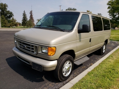 2007 Ford E350 SD 15 Passenger // Low Miles!!! // Very Clean