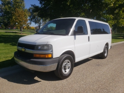 2011 Chevrolet Express // RWD // ExTRa CLeaN!!!
