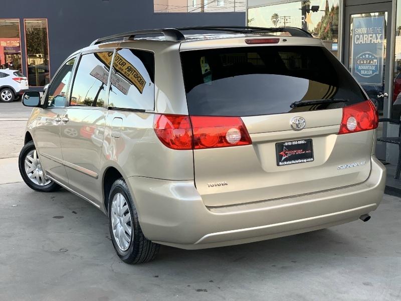 Toyota Sienna 2010 price $7,499