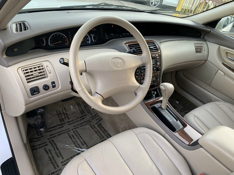 Toyota Avalon 2000 price $4,499