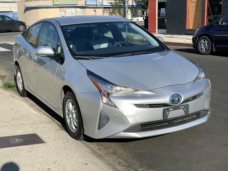Toyota Prius 2017 price $11,995