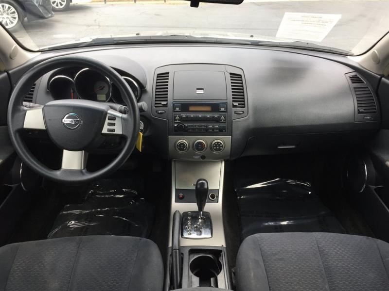 Nissan Altima 2005 price $900 Down