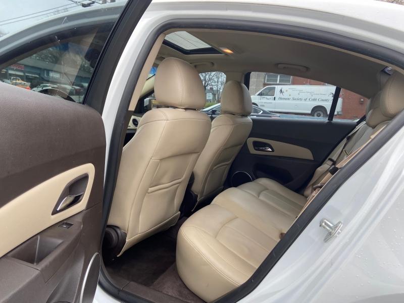 Chevrolet Cruze 2011 price $4,400