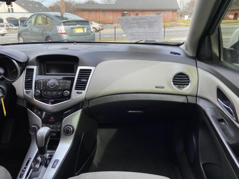 Chevrolet Cruze 2013 price $4,900
