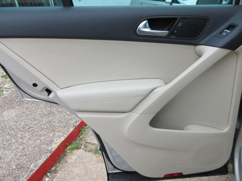 Volkswagen Tiguan 2011 price $9,995
