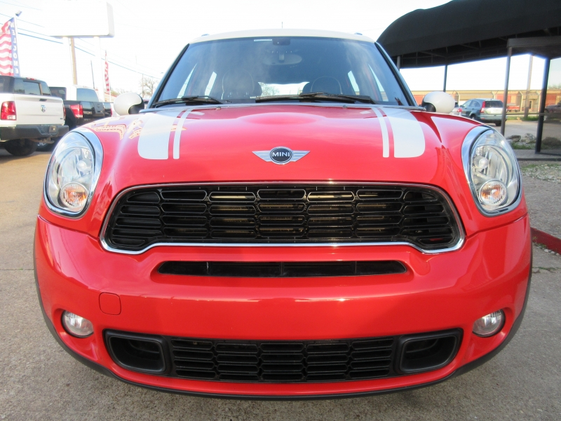 Mini Cooper Countryman 2012 price $8,995