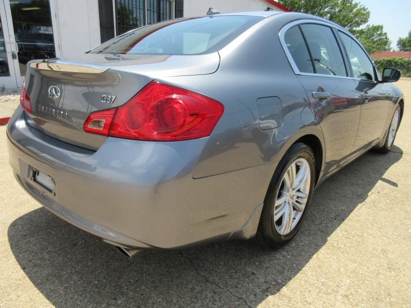 Infiniti G37 Sedan 2010 price $8,295