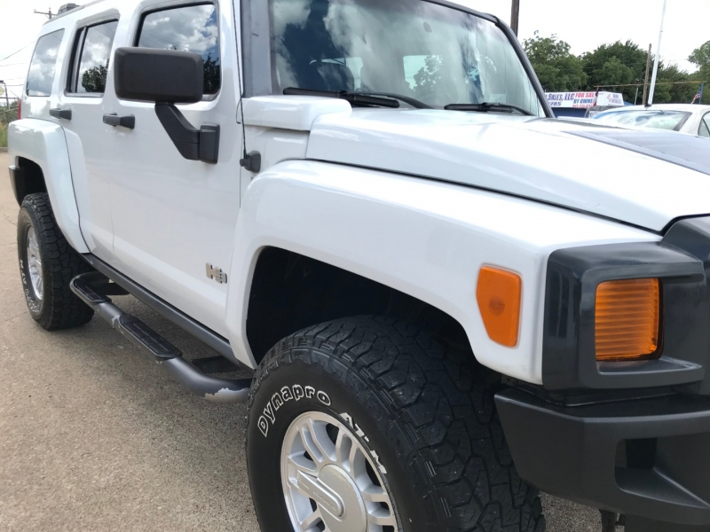 Hummer H3 2007 price $9,995