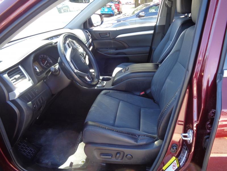Toyota Highlander 2015 price $16,995