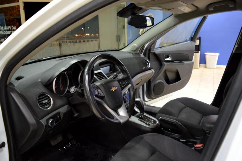 Chevrolet Cruze 2014 price $8,997