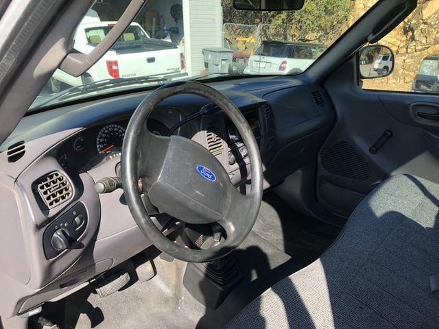 Ford F150 Regular Cab 2003 price $6,495