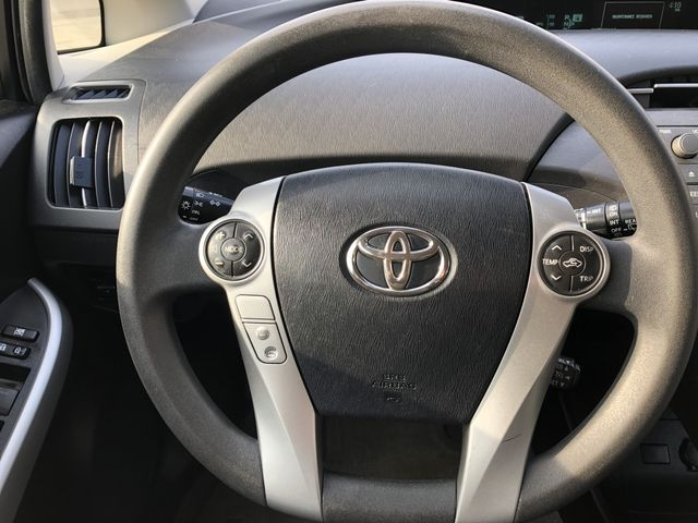 Toyota Prius 2013 price $7,595