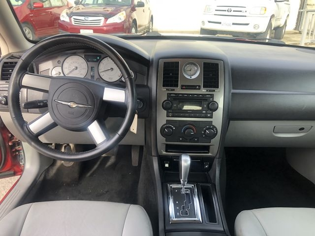 Chrysler 300 2007 price $4,995
