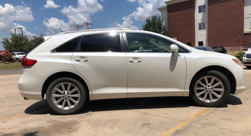 Toyota Venza 2010 price $10,999