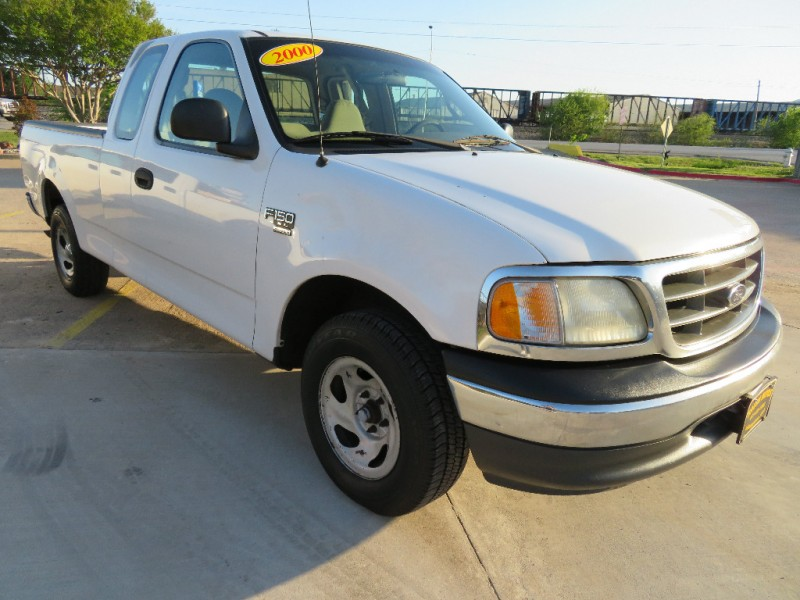 Ford F-150 2000 price $3,888