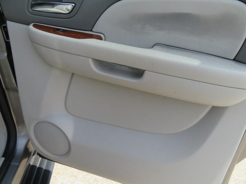 Chevrolet Suburban 2008 price $6,888