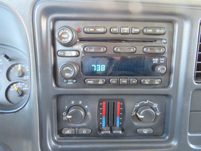 Chevrolet Suburban 2005 price $5,998