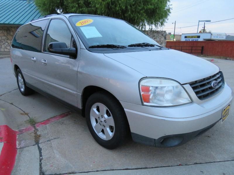 Ford Freestar 2005 price $3,988