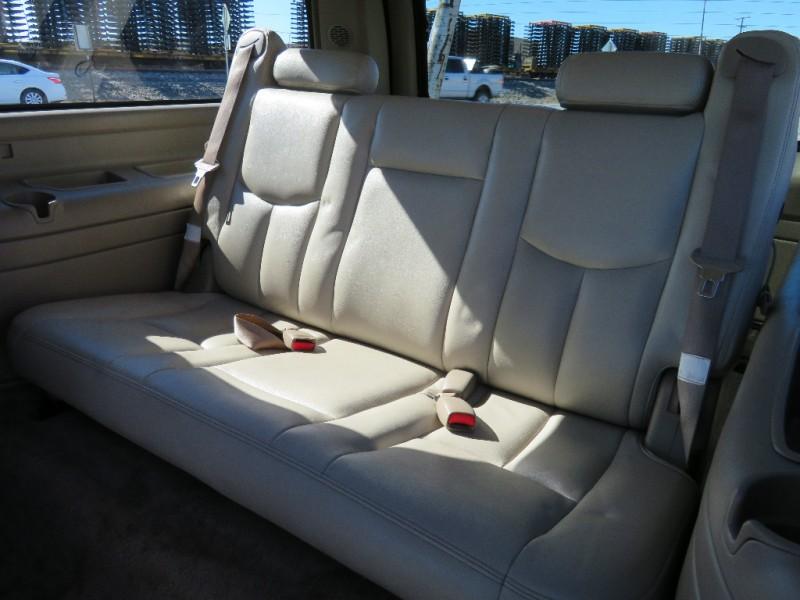 GMC Yukon XL 2003 price $3,998