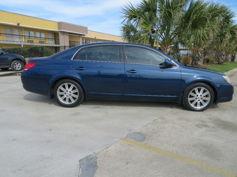 Toyota Avalon 2007 price $4,988