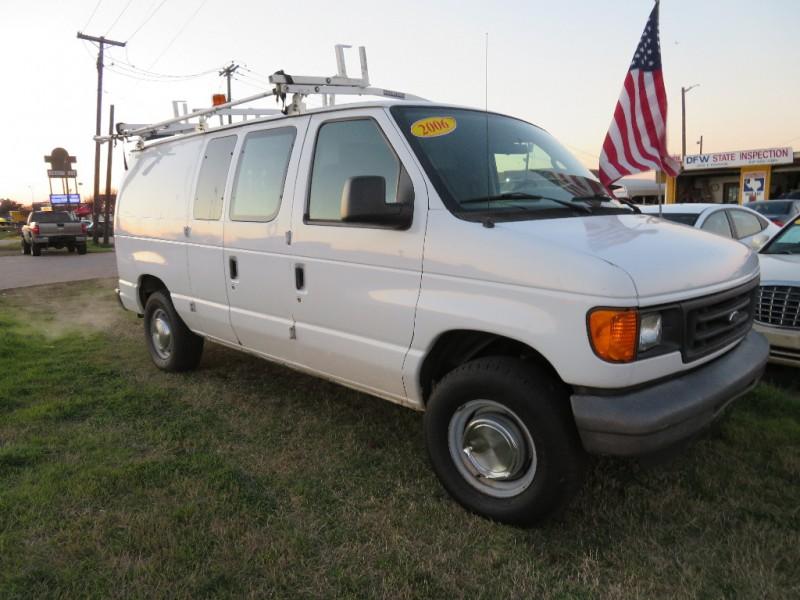 Ford Econoline Cargo Van 2006 price $6,000