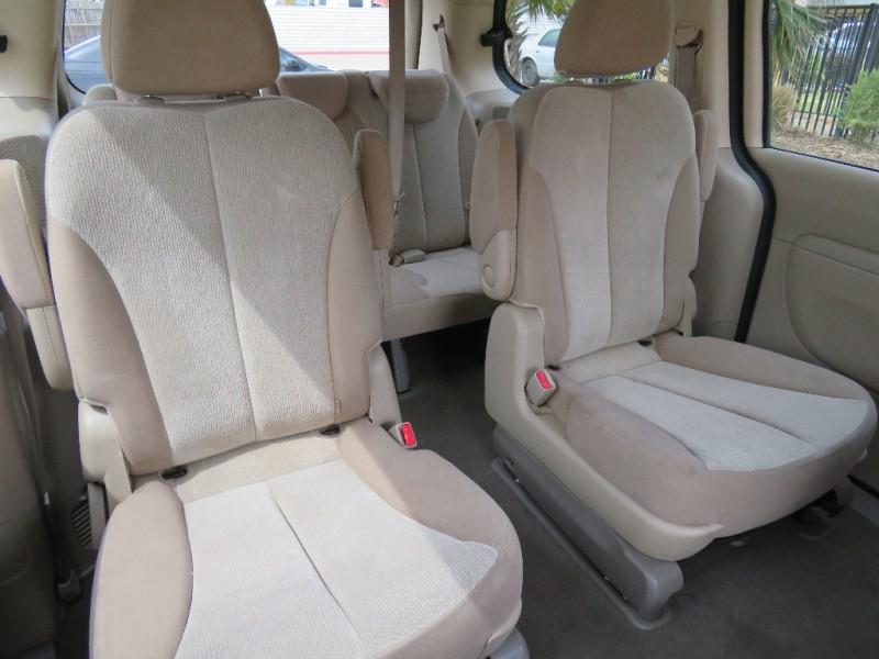 Kia Sedona 2012 price $4,998