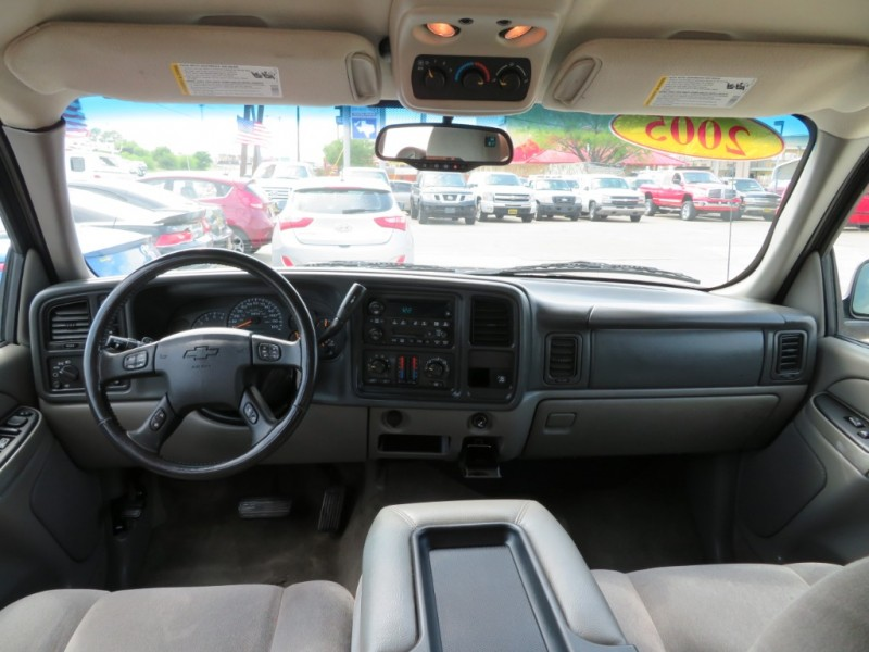 Chevrolet Suburban 2005 price $5,988