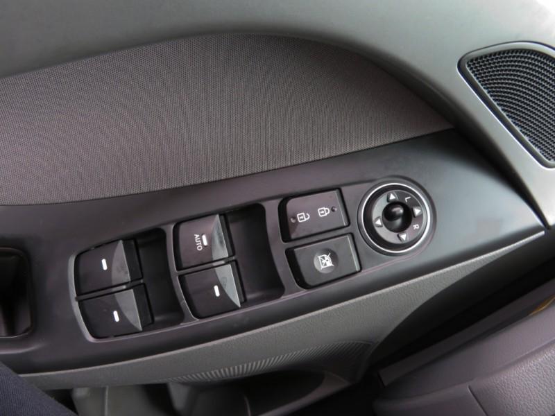 Hyundai Elantra 2015 price $7,995