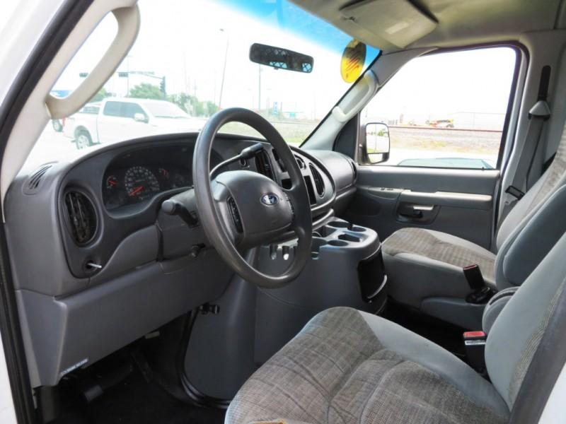 Ford Econoline Cargo Van 2003 price $3,500