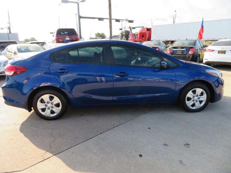 Kia Forte 2017 price $9,888