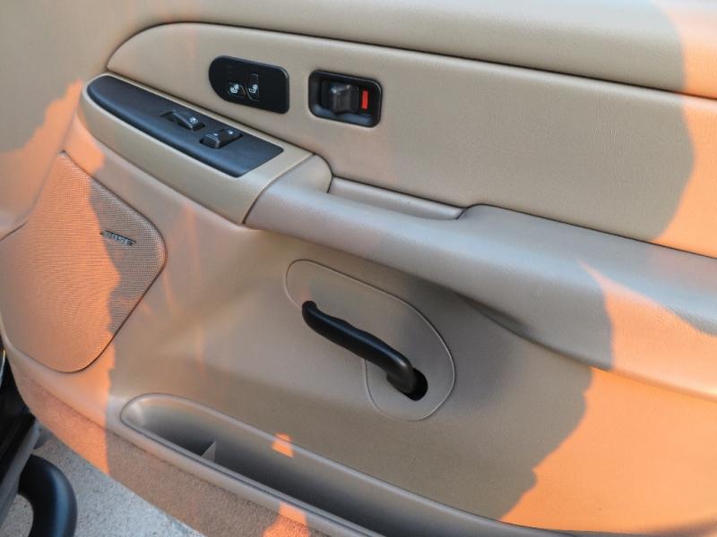 Chevrolet Suburban 2005 price $6,988