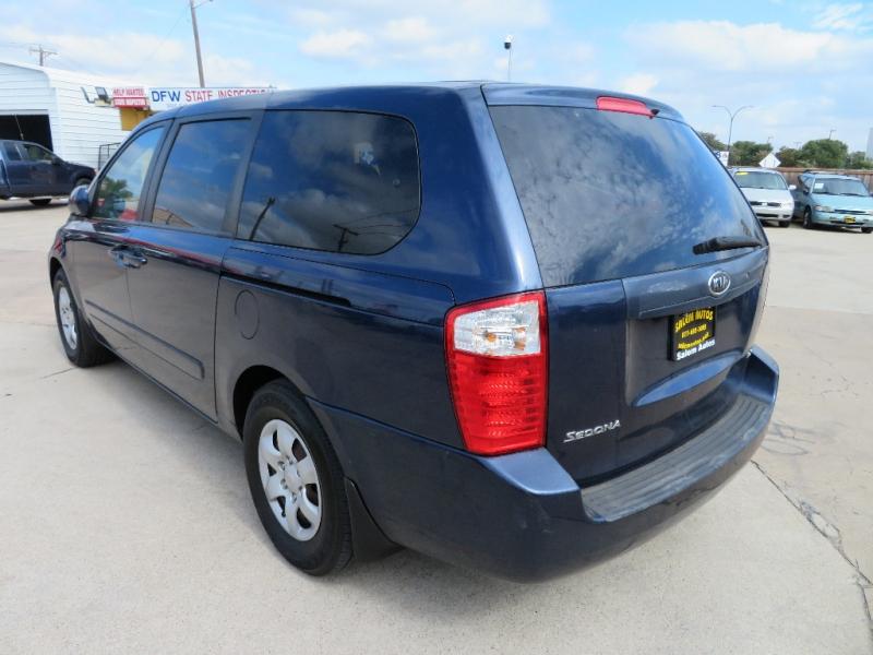 Kia Sedona 2006 price $3,988