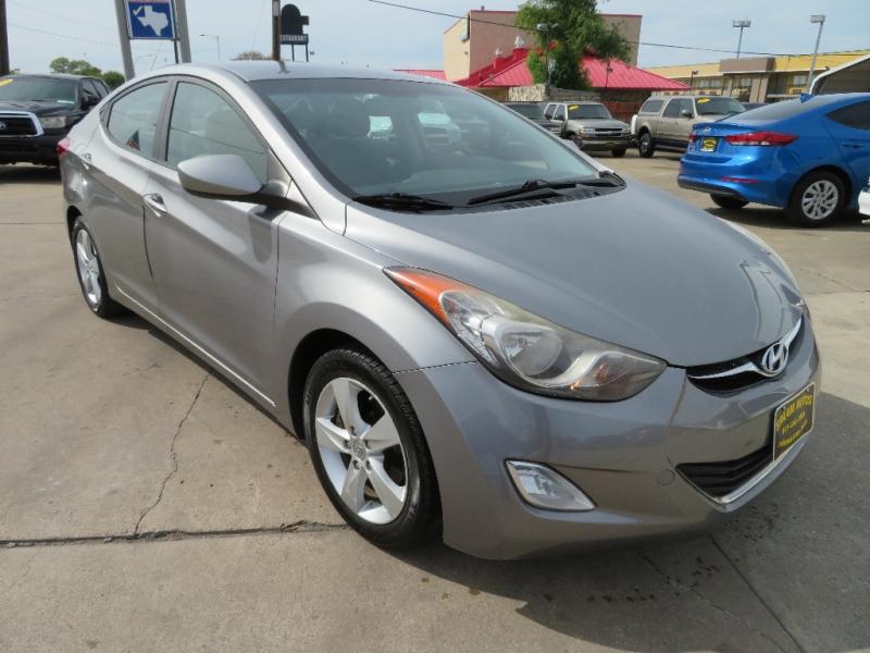 Hyundai Elantra 2012 price $6,988