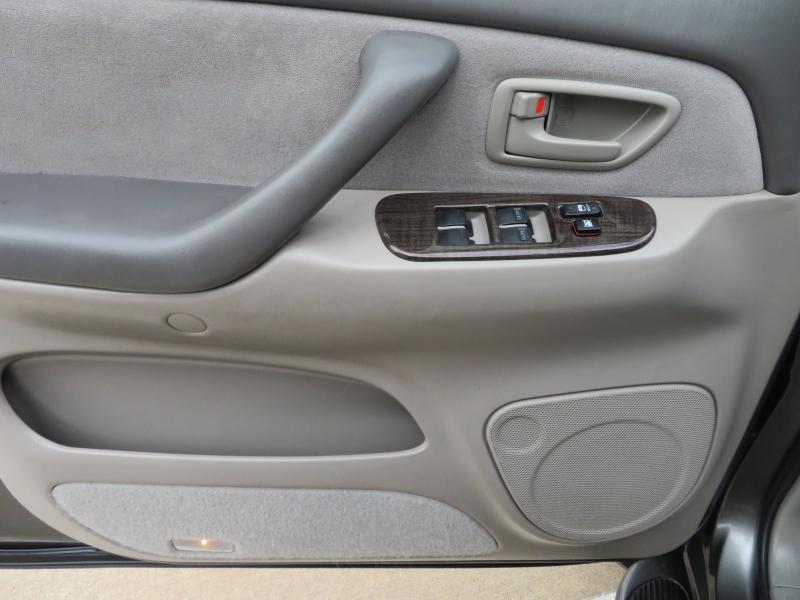 Toyota Sequoia 2007 price $6,977