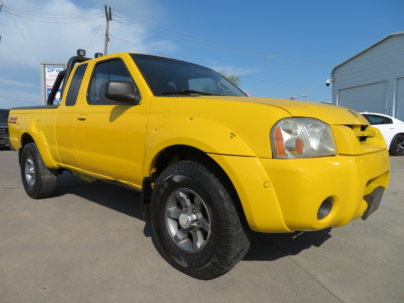 Nissan Frontier 4WD 2004 price $4,588