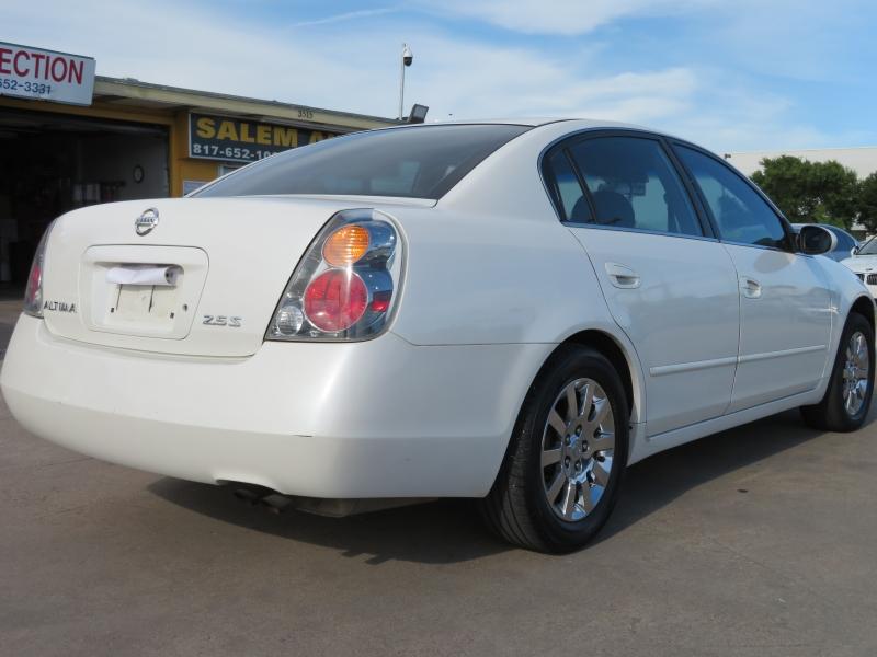 Nissan Altima 2004 price $3,888