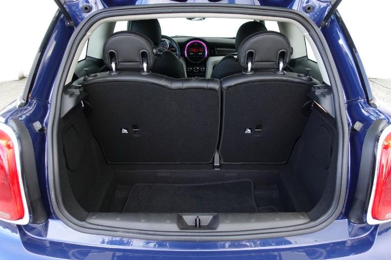 Mini Cooper Hardtop 2016 price $18,900