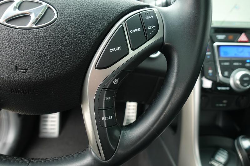 Hyundai Elantra GT 2016 price $10,900