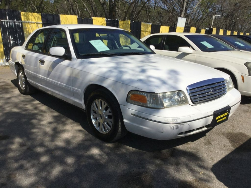 Ford CROWN VICTORIA 2003 price $299 Down
