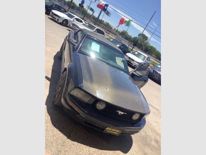 FORD MUSTANG 2006 price $1,225