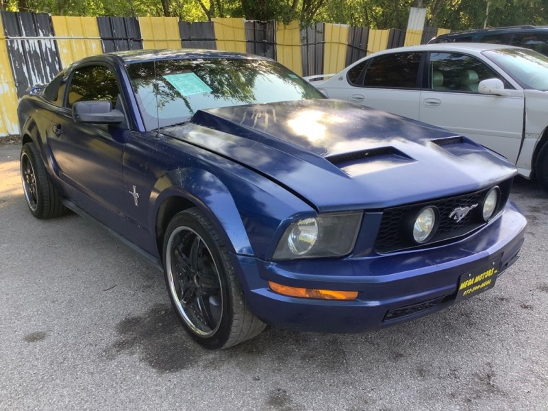FORD MUSTANG 2006 price $1,025